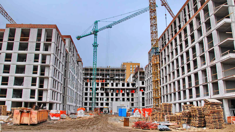 Несмотря на карантин, строительство «Файна Таун» ведётся в штатном режиме