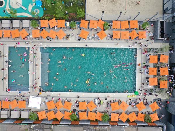 В «Файна Таун» открылся бассейн (пляжный комплекс)