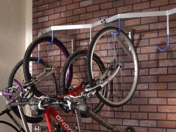 Как установить крепления для велосипедов в колясочной «Файна Таун»